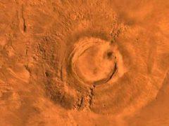 Странное совпадение: На Марсе затихли вулканы, на Земле вымерли динозавры.