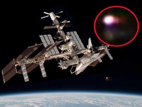 НЛО частый гость около МКС