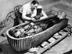 Странная смерть фараона Тутанхамона, молодого царя Египта.
