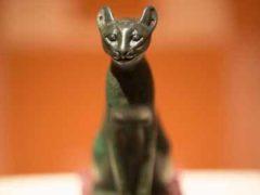 Древние египтяне верили, у кошек есть божественная энергия.