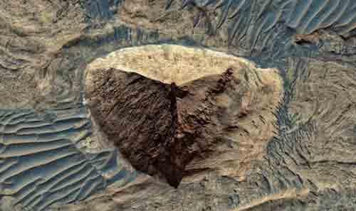 Исследователь нашел еще одну марсианскую пирамиду