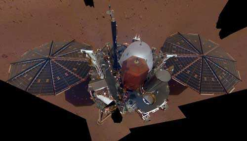 Зонд Инсайт изучающий марсианский ландшафт сделал свой первый марсианский фотоснимок -селфи.