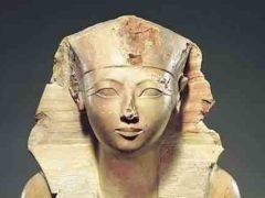 Незаконченный обелиск возрастом 3500 лет, показывает инженерию Древнего Египта.