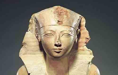 женщина-фараон Хатшепсут, супруга бога Амона