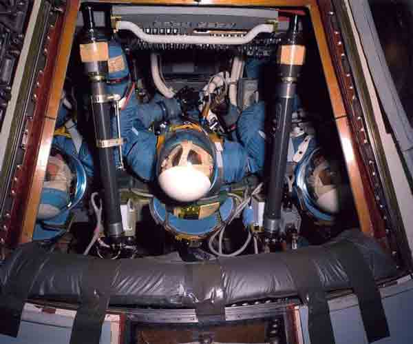 Капсула Аполлона 1 до пожара