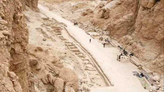 Раскопки в Долине Обезьян