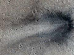 Аппарат НАСА видел разбившийся НЛО на поверхности Марса.