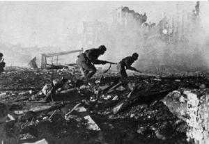 Вечная битва солдат, война привидений на Мамаевом кургане.