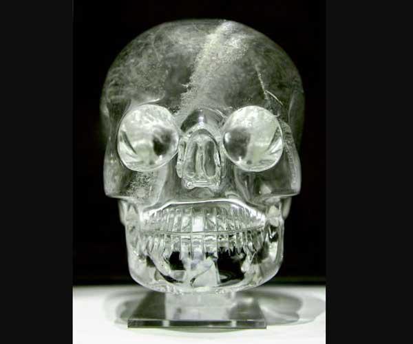 Является ли таинственный Хрустальный череп Судьбы древним артефактом с мистическими свойствами